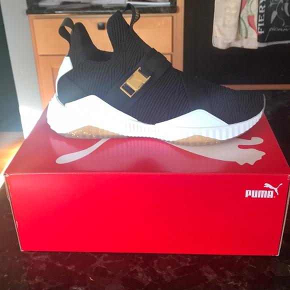 6041ed6f46e3 Puma Defy Mid Varsity Women s Shoe